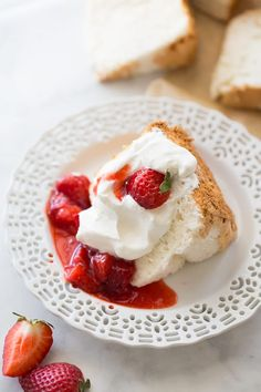 The best-tasting angel food cake you'll ever eat. Light, fluffy and perfect for your favorite desserts. Nobody will ever guess it's gluten-free! Gluten Free Angel Food Cake, Gluten Free Deserts, Gluten Free Sweets, Gluten Free Cakes, Gluten Free Baking, Gluten Free Recipes, Gf Recipes, Angel Cake, Gluten Free Thanksgiving