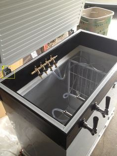 Step-by-Step: How to make a keezer.