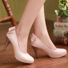 Resultado de imagen de zapatos altos para mujeres altas