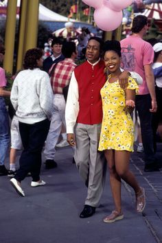 Here you'll find 65 of some of the most perfect TV couples in history that showed the world what love is. Black Actresses, Black Actors, Actors & Actresses, Black Tv Shows, Top Tv Shows, Old Celebrities, Celebs, Tv Show Family, Steve Urkel