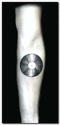 small memorial tattoo ideas, little hip tattoos, … – Leg Tattoos Hand Tattoos, Tattoo Shirts, Feather Tattoos, Ankle Tattoos, Bicep Tattoos, Tattoo Fonts, Tribal Tattoos, Polynesian Tattoo Meanings, Polynesian Tattoo Designs