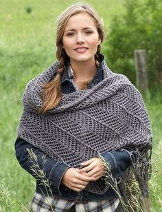 This summer, wrap your shoulders in free lace shawl knitting patterns that are light and elegant. Using six balls of Bernat's Satin Sparkle yarn in Platinum, you can create this feminine accessory that features a chevron design. Shawl Patterns, Knitting Patterns Free, Free Knitting, Crochet Patterns, Free Pattern, Simple Knitting, Stitch Patterns, Knitted Poncho, Knitted Shawls