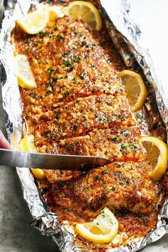 Baked Honey Garlic Salmon in Foil — Sweet and tangy flavors shine in this bright seafood dinner. eatwell101.com