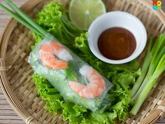 Vietnamese Summer Prawn Rolls _ Ever since I learnt how to make my own Vietnamese fresh summer rolls, I have been making them endlessly. They are easy to prepare, healthy and makes a great low-fat/carb dish. While summer rolls are usually made with fresh prawns (shrimps), I love to use all sorts of fillings for them.