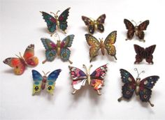 VINTAGE COLLECTION OF 10 COLOURFUL BUTTERFLY BROOCHES - JOB LOT / SET