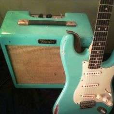 This little Fender Pro Junior would go SO well with my surf green Strat!