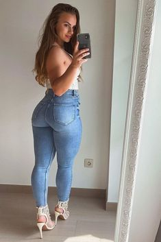 Sexy Cowgirl Outfits, Cute Outfits, Girls Jeans, Mom Jeans, Sexy Jeans, Skinny Jeans, Fit Women, Sexy Women, Curvy Women