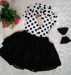 Ropa Diciembre 2018 Frocks For Girls, Baby Girl Frocks, Little Girl Outfits, Little Girl Fashion, Little Girl Dresses, Baby Frocks Designs, Kids Frocks Design, Girls Fashion Clothes, Kids Fashion