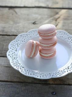 Rose Macarons - FoodBabbles.com