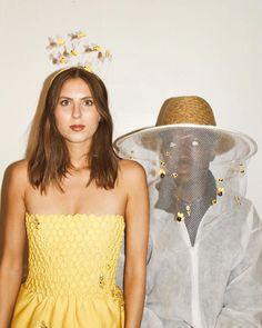 Honey & the Beekeeper🍯 . Food Halloween Costumes, Halloween Carnival, Creative Costumes, Diy Costumes, Costumes For Women, Halloween Party, Costume Ideas, Beekeeper Costume, Strawberry Costume