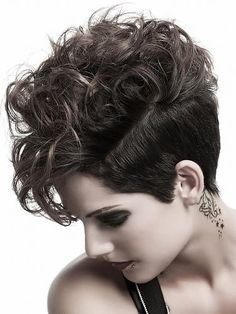 Short Haircuts Curly Hair Pictures - Are you currently keen on the fashionable hairdos of today? Short Haircuts Curly Hair, Edgy Haircuts, Cool Short Hairstyles, 2015 Hairstyles, Short Hair Cuts, Medium Hair Styles, Curly Hair Styles, Short Hair Trends, How To Curl Short Hair