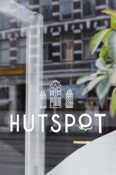 Hutspot - shopping route in Amsterdam! Logo Branding, Graphic Design Branding, Logos, Typography Design, Logo Design, Print Design, Week End Amsterdam, Amsterdam Shopping, Window Signage