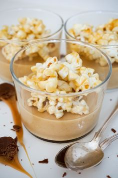 Dessert Drinks, Dessert Recipes, Mini Appetizers, Oui Oui, Popcorn, Food Inspiration, Sweet Recipes, Holiday Recipes, Sweet Treats