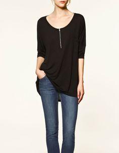Black Scoop Neck Half Sleeve Zipper Front T-shirt with Pocket