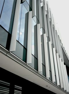 Curtain wall system comprises one of the elements of facade technology in high rise building. There are cases in which wind loads controls the structural& Office Building Architecture, Brick Architecture, Building Facade, Architecture Details, Industrial Architecture, Office Buildings, Glass Curtain Wall, Metal Curtain, Curtain Wall Detail
