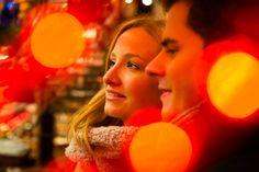 Exklusives Paarshooting auf dem Frankfurter Weihnachtsmarkt  #Paarshooting #Hochzeitsfotograf #Hochzeitsfoto #Engagmentshooting #Weihnachtsgeschenk #Rheinmeingebiet #Frankfurt #Verlobung #Verlobungsshooting