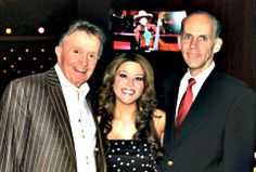 """Former """"The Voice"""" Contestant Angie Johnson Makes Grand Ole Opry Debut"""