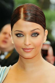 Bollywood Beauties | Aishwarya Rai Bachchan
