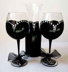 Audrey Hepburn Inspired Wine Glass set - Black with white polka dots and ribbon 20 oz