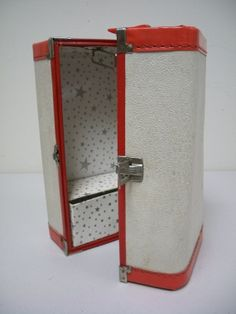 Vintage40s/50s Ivory Vinyl Doll Case with Red Trim by llandr, $39.00
