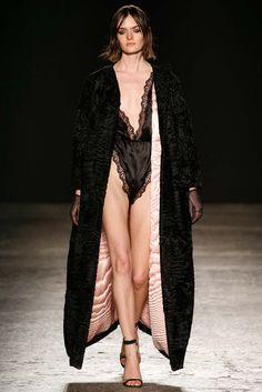 Francesco Scognamiglio Fall 2015 Ready-to-Wear Fashion Show