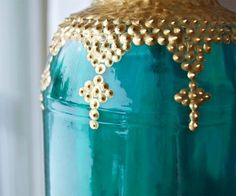 DIY Moroccan inspired jar lanterns -- puff paint on colored jars, great tutorial. Morrocan Lamps, Moroccan Lanterns, Moroccan Decor, Moroccan Style, Mason Jar Lanterns, Mason Jars, Bottles And Jars, Glass Jars, Puff Paint