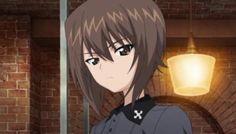 強豪である黒森峰女学院の隊長として、悠然と部隊を率いるのが西住まほです。しかし、彼女はクールに見える外見とは裏腹に、妹であるみほのことを気遣う一面を持っています。今回はそんな彼女の魅力を存分にご紹介していきます!