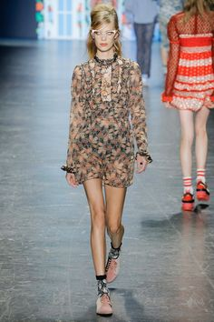 Anna Sui Spring 2017 Ready-to-Wear Fashion Show - Lexi Boling