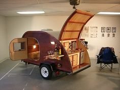 32 Stunning Diy Camper Trailer Design , A teardrop trailer may be only the answer. You are able to obtain a fully equipped trailer should you desire, but alternatively, buying just a fundame. Teardrop Camping, Teardrop Caravan, Teardrop Trailer, Vw Camping, Glamping, Camping Hacks, Rv Hacks, Camping Outdoors, Tiny Camper