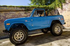 Classics on Autotrader has listings for new and used 1976 Ford Bronco Classics for sale near you. See prices, photos and find dealers near you. Ford Bronco Lifted, Old Ford Bronco, Ford Bronco For Sale, Early Bronco, Classic Bronco, Classic Ford Broncos, Classic Trucks, Classic Cars, Chevy Diesel Trucks