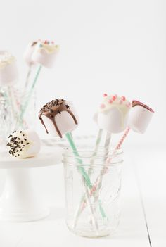 Strawberry marshmallow pops ♥