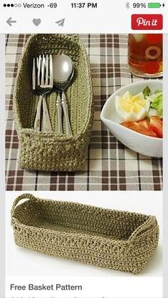 Free small basket crochet pattern