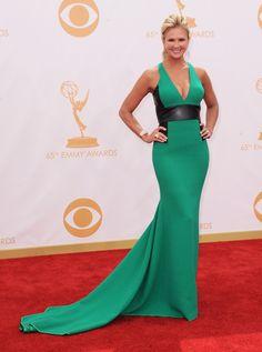 2013 Emmy Awards Red-Carpet Arrivals. Flott snið og töff uppbrot