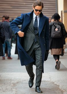 Sharp Dressed Man, Well Dressed Men, Mens Fashion Suits, Mens Suits, Style Anglais, Stylish Mens Outfits, Winter Looks, Mens Clothing Styles, Look Cool