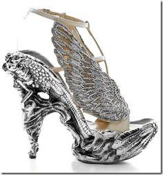 Alexander McQueen - shoe art!