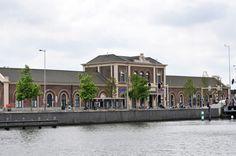 Jong monument (19e eeuw) in Middelburg
