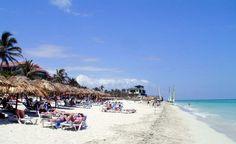 Según Oscar Luis Martínez, director general del Centro de Servicios Ambientales de Matanzas, se vertieron unos 18 000 metros cúbicos de arena para restaurar la duna del famoso balneario