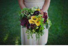 Green, Purple & Yellow. Love.  http://nickradfordphotography.com/blog/danny-anique-married/