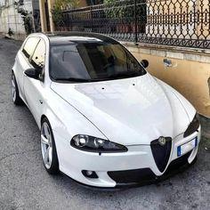 Classic Car News Pics And Videos From Around The World Alfa Romeo Gtv 2000, Alfa Romeo Brera, Alfa Romeo Gtv6, Alfa Romeo Tuning, Alfa Romeo Cars, Alfa Romeo 159 Sportwagon, Alfa Romeo Quadrifoglio, Alfa Cars, Alfa Alfa