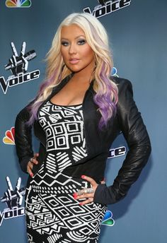 """Christina Aguilera debuting a new look with her hair: long blonde hair with a touch of purple on the tips as she made an appearance for """"The Voice"""" press junket and cocktail reception in Los Angeles Black And Blonde Ombre, Blonde Color, Christina Aguilera Hair, Purple Streaks, Purple Ombre, Pastel Purple, Beautiful Christina, Christina Agilera, Beautiful Ladies"""