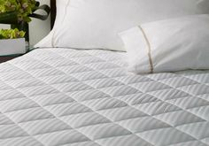 Add an extra layer of plush quilting and extend the life of your Heavenly mattress with the Westin Mattress Pad. Resistant to spills and stains and designed to protect your mattress for years to come. Westin Bed, Hotel Mattress, Hotel Bed, Mattress Covers, Bed Mattress, Mattress Protector, Comfort Mattress, Mattress Brands, Home
