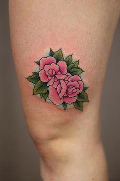 Photo in Tattoo selection Pernille - Google Photos Color Tattoos, Line Tattoos, Flower Tattoos, Small Tattoos, Traditional Tattoo Flowers, Plant Tattoo, Female Tattoo Artists, Cartoon Tattoos, Get A Tattoo