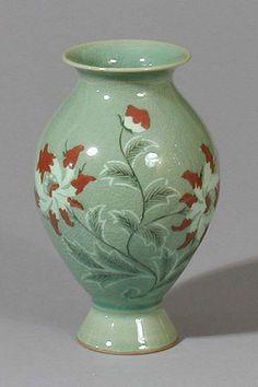 Celadon Vase - love this Korean Pottery ~ Korean Art, Asian Art, Korean Pottery, Oriental Design, China Painting, Objet D'art, Red Berries, Pottery Art, Ceramic Art