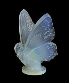 An Art Deco Sabino Glass Butterfly Radiator Car Mascot Mid 20th century. Frosted and opalescent