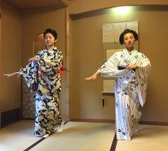 [4] August 2015: geiko Satsuki and her little 'sister' maiko Marika dancing together in yukata by raspberry-yuri