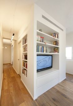 Divide + Conquer: 40 Sq Meter Studio Apartment Grows Up