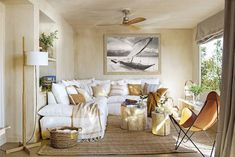 Keltainen talo rannalla Beautiful Living Rooms, Cozy Living Rooms, Living Room Modern, Renovation Design, Interior Modern, Interior Design, Decoration Gris, Salons Cosy, Family Room Design
