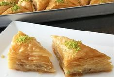 World& Easiest and Crispy Baklava Recipe with Rolls This 👉🏻bera dessert dessert , Turkish Recipes, Ethnic Recipes, Cake Videos, Spanakopita, Beautiful Cakes, Food And Drink, Yummy Food, Dishes, Eat