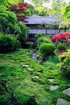 yet another zen garden by Pixelicus, via Flickr