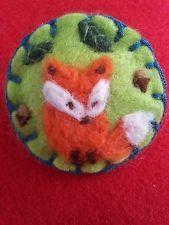 Broche feutrées aiguille, fait main -fox cadeau unique